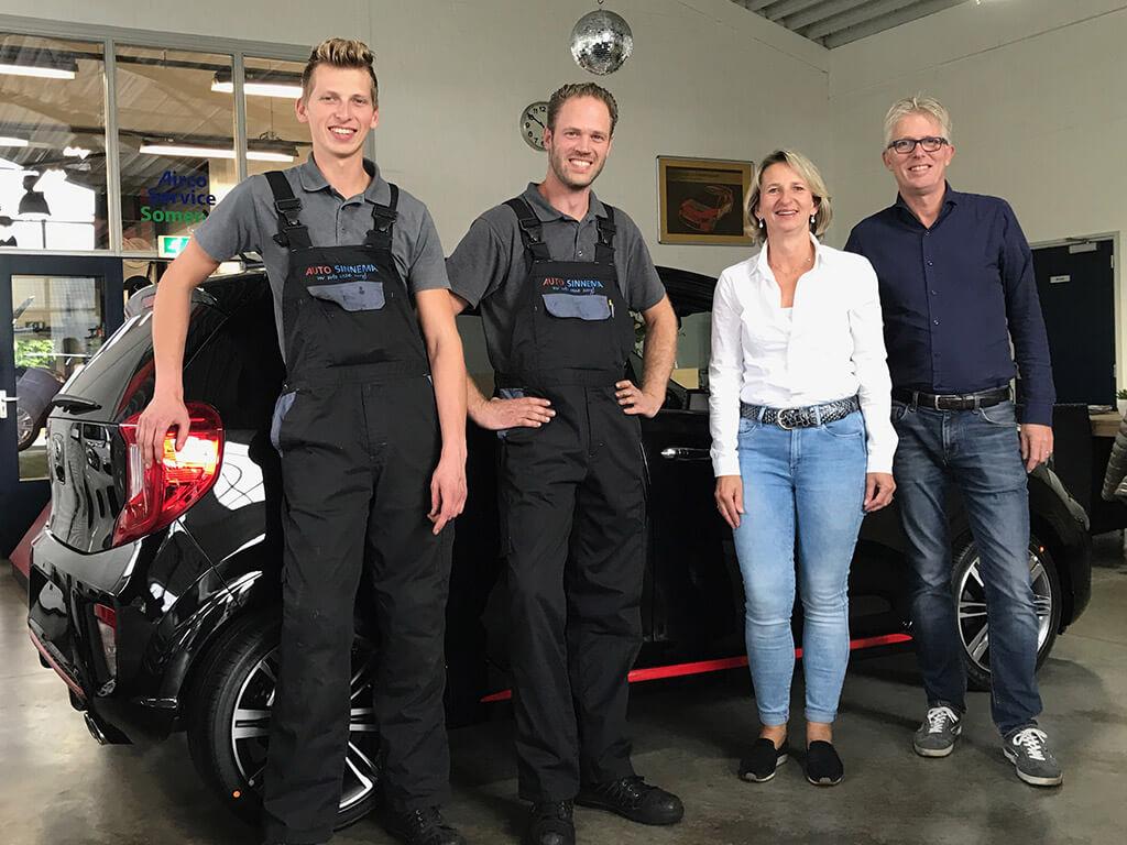 Het team van Autobedrijf Auto Sinnema in Someren